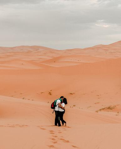 Sesion en pareja por el desierto del sahara