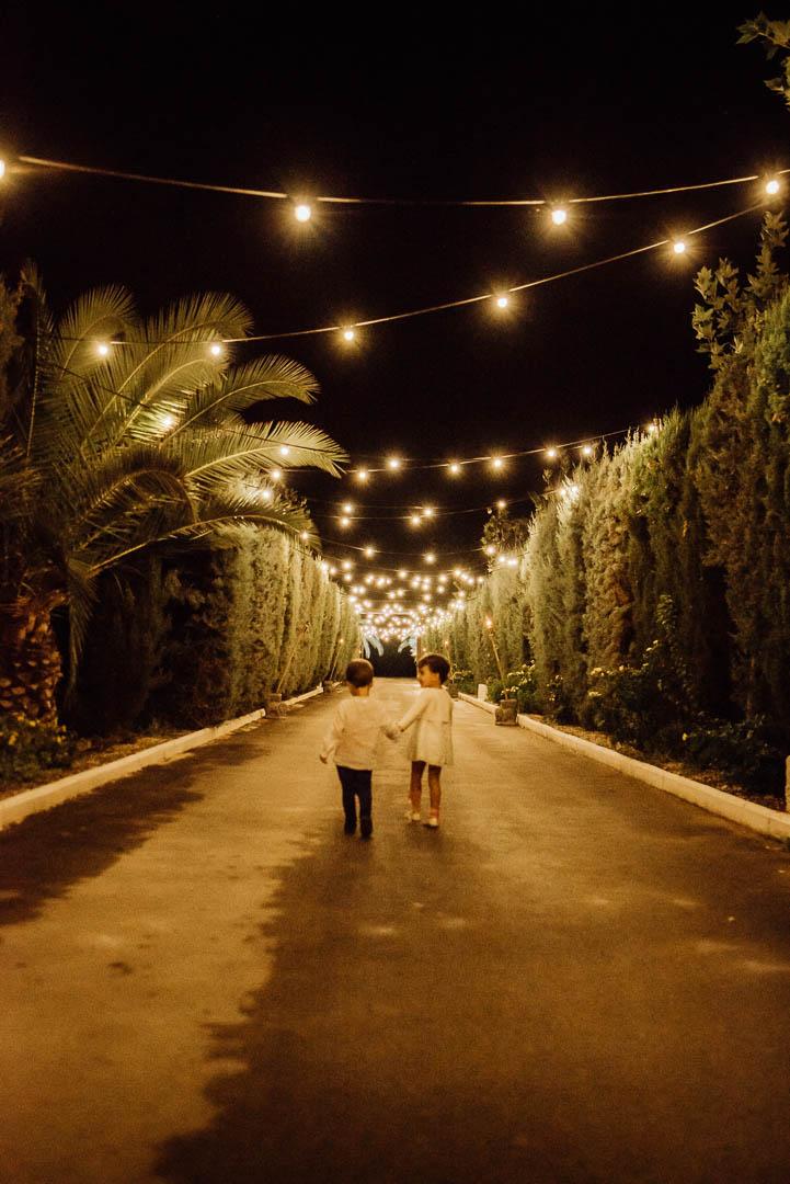 Entrada iluminada Hacienda La masia