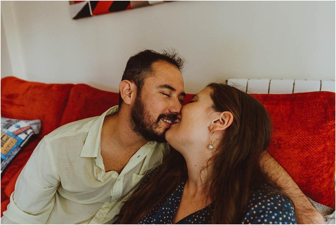 una sesion de pareja en casa