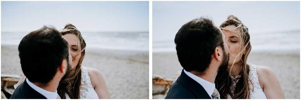 fotos pareja besandose en su postboda almeria