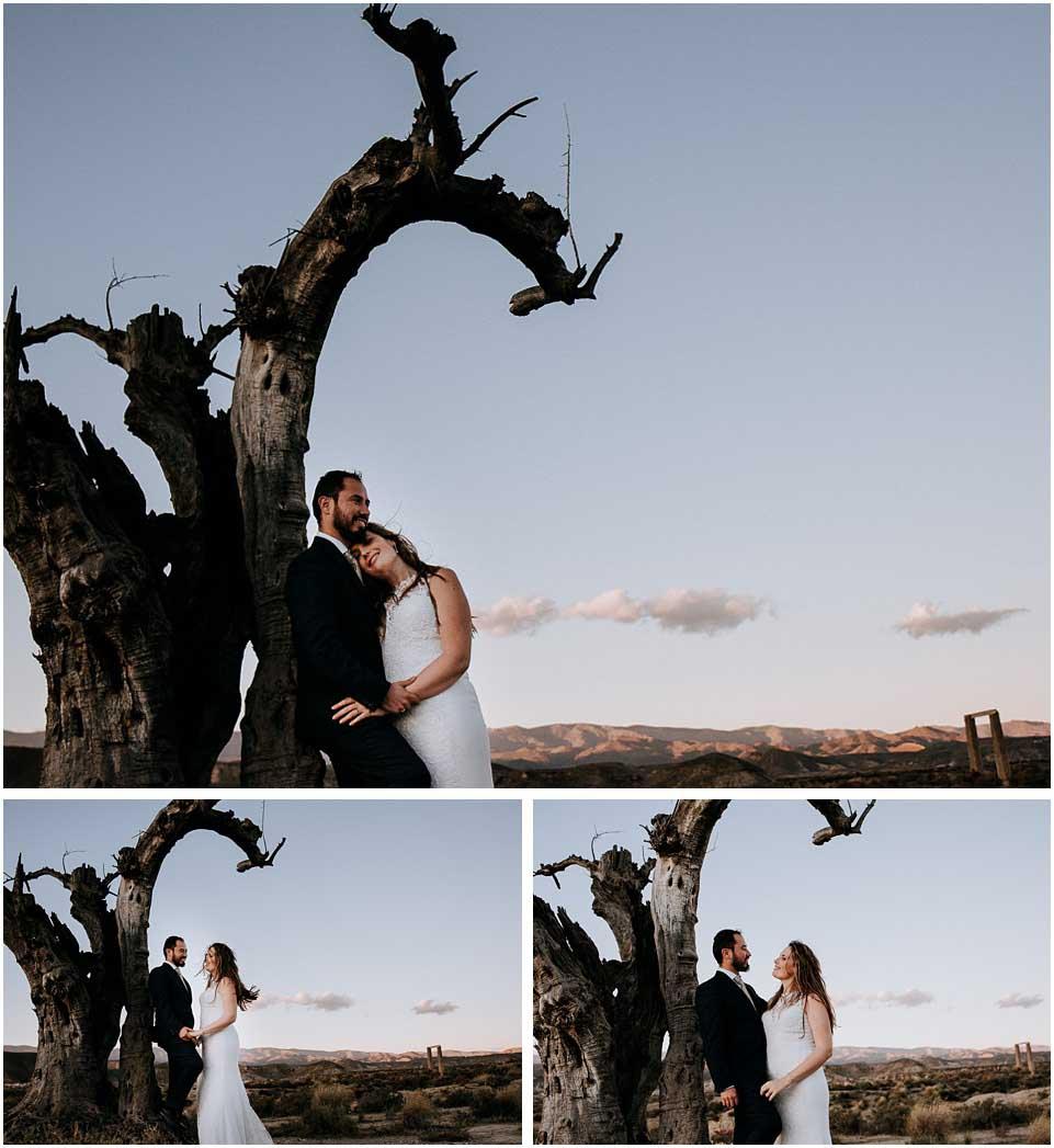 pareja en su postboda en el desierto almeria